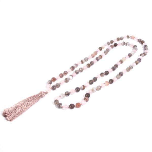 Damen Halskette handgeknüpft mit 108 Steinen. Ein schöner Begleiter.