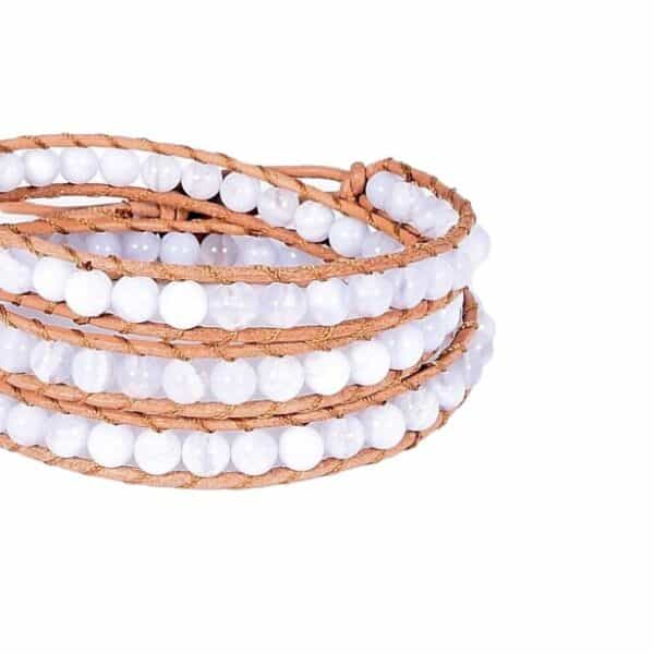 Mehrreihiges Armbnad mit weißen Steinen