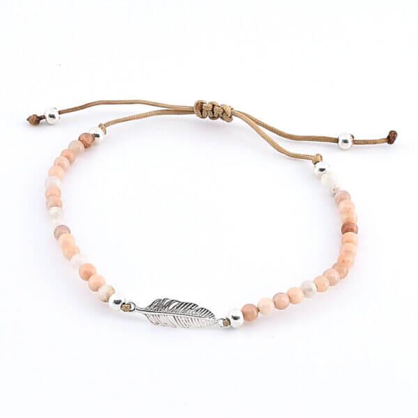 Damen Armband mit Zimtmondstein und Feder aus Silber