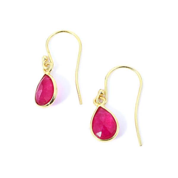 Ohrringe mit Achat Steinen liebevoll eingefasst in 925 Sterling Silber 18k vergoldet. Die Ohrhänger sind handgefertigt und die Steindrops schwenkbar.